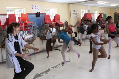 Annie Colbeck teaches a jazz class in the township of Nyanga.